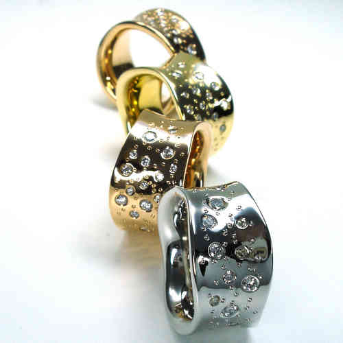 Diamant Wellenring mit 0.80 Karat Diamanten aus 750er Gold
